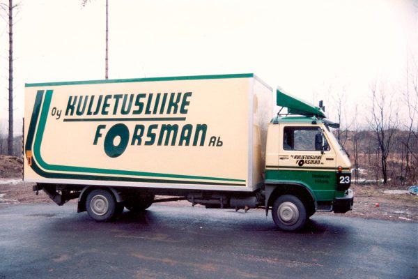 Oy Kuljetusliike Forsman Ab:n autoja on teipattu 1980-luvun alusta lähtien.